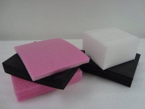 Placas de Polietileno - para fabricação de calços para embalagem de computadores.